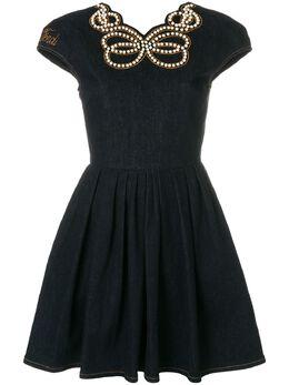 Fendi джинсовое платье с жемчугом FLD505A1DX