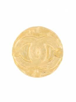 Chanel Pre-Owned брошь с логотипом CC B94A