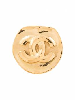 Chanel Pre-Owned брошь с логотипом CC B96P