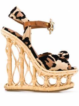 Dolce&Gabbana босоножки на танкетке с леопардовым принтом CZ0247AX831