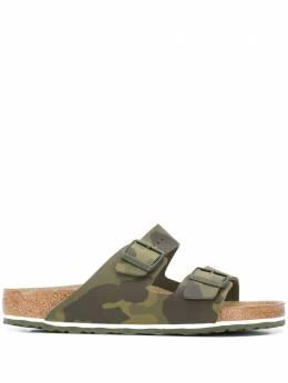 Birkenstock сандалии с пряжками и камуфляжным принтом 1015510
