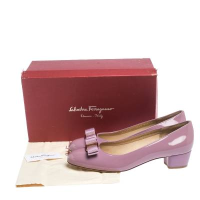 Salvatore Ferragamo Pink Patent Leather Vara Bow Block Heel Pumps Size 40.5 294418 - 7