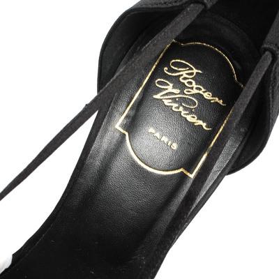 Roger Vivier Black Satin V Strap Pointed Toe Pumps Size 40 294635 - 6