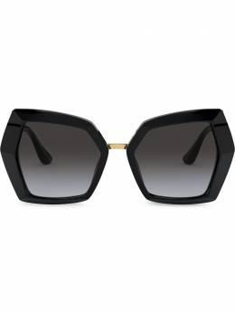 Dolce&Gabbana Eyewear солнцезащитные очки в массивной оправе с монограммой DG43775018G