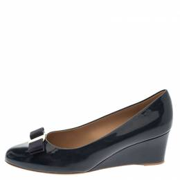 Salvatore Ferragamo Navy Blue Patent Vara Bow Wedge Pumps Size 40.5 292445