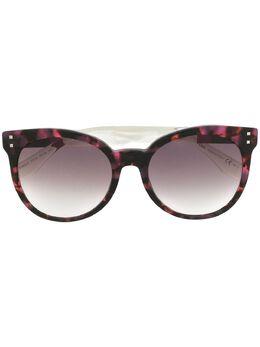 Fendi Eyewear солнцезащитные очки в оправе 'кошачий глаз' FF0083S