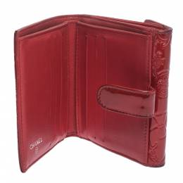 Chanel Red Embossed Quilted Patent Leather French Wallet 297186