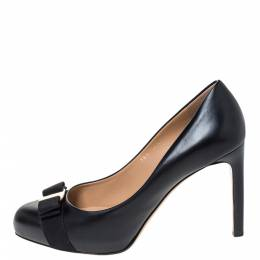 Salvatore Ferragamo Black Leather Vara Bow Pumps Size 40.5 296856