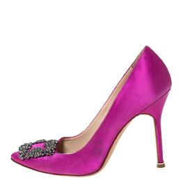 Manolo Blahnik Pink Satin Hangisi Crystal Embellished Pumps Size 38.5 299822