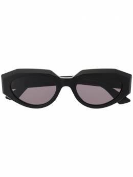 Bottega Veneta Eyewear солнцезащитные очки в овальной оправе 628583V2330