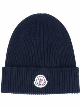 Moncler шапка в рубчик с нашивкой-логотипом F20913B70500A9342
