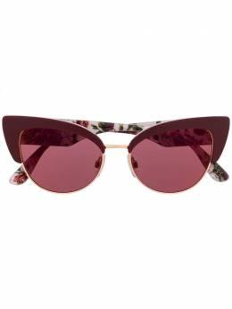 Dolce&Gabbana Eyewear солнцезащитные очки в оправе 'кошачий глаз' с принтом DG434632020D