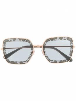 Dolce&Gabbana Eyewear солнцезащитные очки в квадратной оправе с кружевным узором DG2242