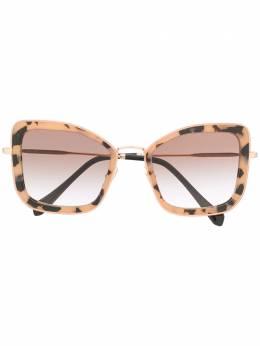 Miu Miu Eyewear солнцезащитные очки в массивной оправе 0MU55VS