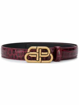 Balenciaga узкий ремень с логотипом BB 5816901LR04