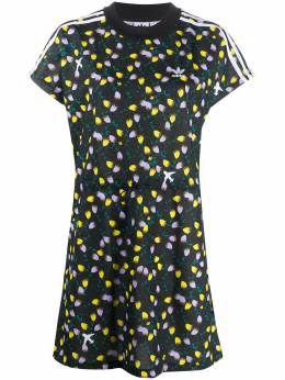 Adidas платье-футболка с цветочным принтом и логотипом FL4100