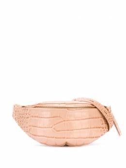Nanushka поясная сумка с тиснением под крокодила LUBO