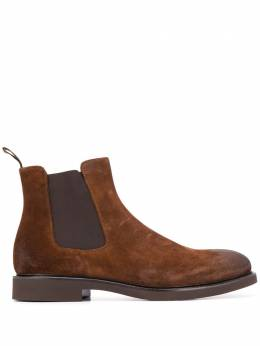 Doucal's chunky suede Chelsea boots DU1343GENOUF011