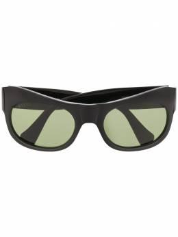Gucci Eyewear солнцезащитные очки в массивной оправе GG0870S001