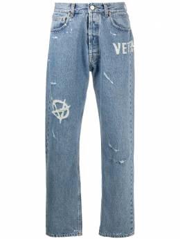 Vetements прямые джинсы с эффектом потертости MAH21PA1342803