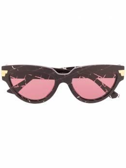 Bottega Veneta Eyewear солнцезащитные очки в оправе 'кошачий глаз' 620602V2330