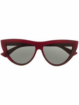 Bottega Veneta Eyewear солнцезащитные очки в оправе 'кошачий глаз' 608436V4450