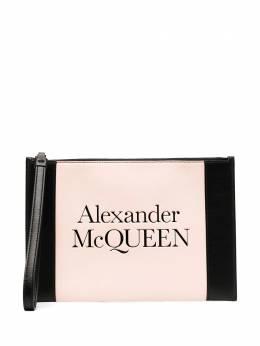 Alexander McQueen клатч в стиле колор-блок с тисненым логотипом 6330631X3HI