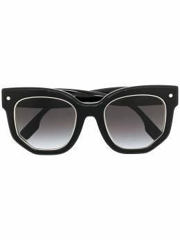 Burberry Eyewear солнцезащитные очки в квадратной оправе с эффектом градиента B4307