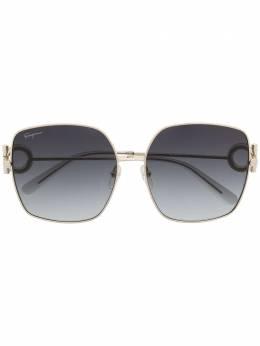 Salvatore Ferragamo солнцезащитные очки SF243SR в массивной оправе