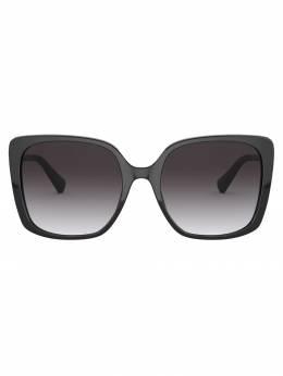 Bvlgari солнцезащитные очки в массивной квадратной оправе BV8225B