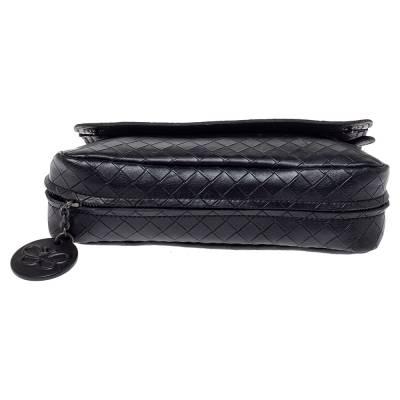 Bottega Veneta Black Intrecciato Leather Flap Zip Detail Crossbody Bag 360028 - 5