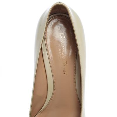 Gianvito Rossi Cream Patent Leather Round Toe Block Heel Pumps Size 37.5 357849 - 6