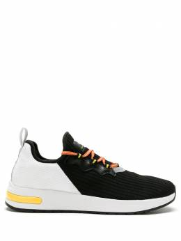 Armani Exchange кроссовки в стиле колор-блок XUX054XV207