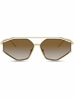 Dolce&Gabbana Eyewear солнцезащитные очки в геометричной оправе VG2265VM213
