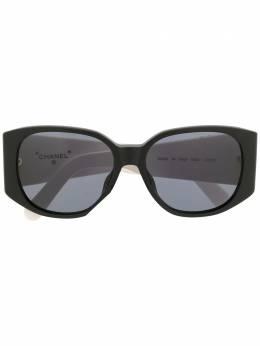 Chanel Pre-Owned солнцезащитные очки в массивной квадратной оправе SU05251C0229