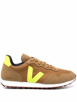 Veja кроссовки с логотипом RR012298B