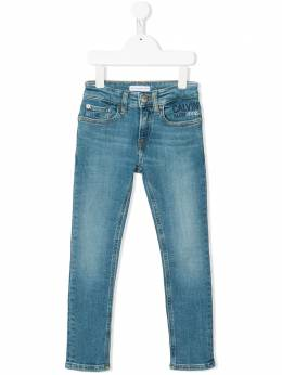 Calvin Klein Kids джинсы с логотипом IB0IB00335