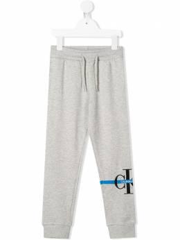 Calvin Klein Kids спортивные брюки с вышитым логотипом IB0IB00436