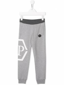 Philipp Plein Junior спортивные брюки с декором Skull A19CBJT0290PJO002N