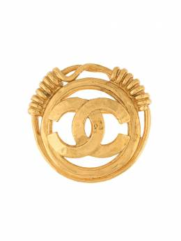 Chanel Pre-Owned брошь 2001-го года с логотипом CC B94P