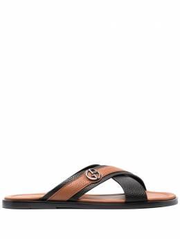 Giorgio Armani сандалии с перекрестными ремешками X2P045XM838