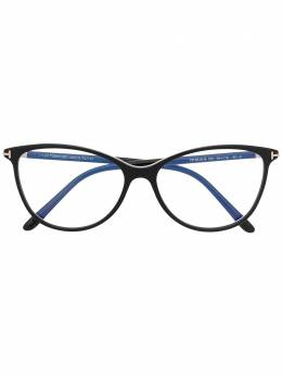 Tom Ford Eyewear очки в оправе 'кошачий глаз' TF5616B