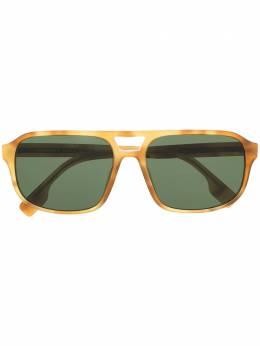 Burberry Eyewear солнцезащитные очки в массивной оправе 0BE4320389371