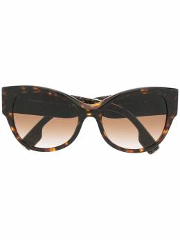 Burberry Eyewear солнцезащитные очки в оправе 'кошачий глаз' 0BE4294390413
