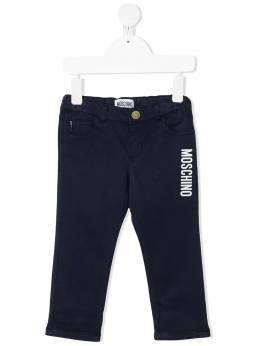 Moschino Kids джинсы с логотипом MPP02MLRC01