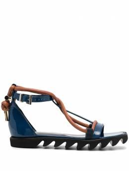 Sacai сандалии с контрастным ремешком 2105491