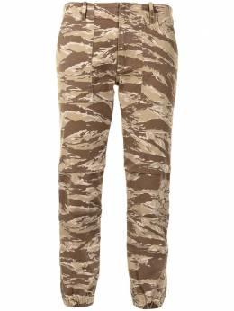 Nili Lotan брюки кроя слим с камуфляжным принтом 00099W837
