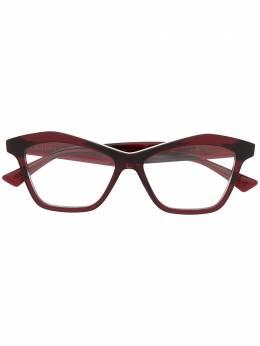 Bottega Veneta Eyewear очки в геометричной оправе 'кошачий глаз' BV1096O