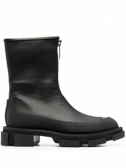 Both zip-up ankle boots GAB110WB111