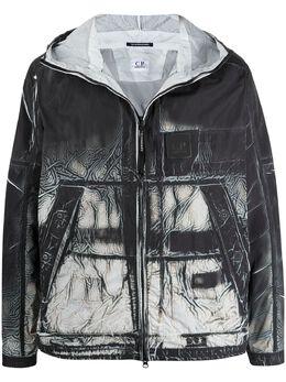 C.P. Company куртка с капюшоном и принтом 10CMOW113A005990P